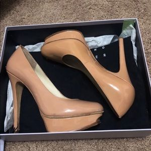Vera Wang Nude patent leather platform heels